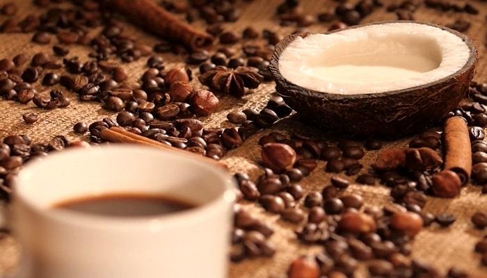 Кофе и кокосовое молоко, фото