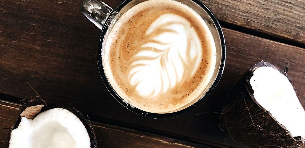 Кофе с кокосовым молоком, фото