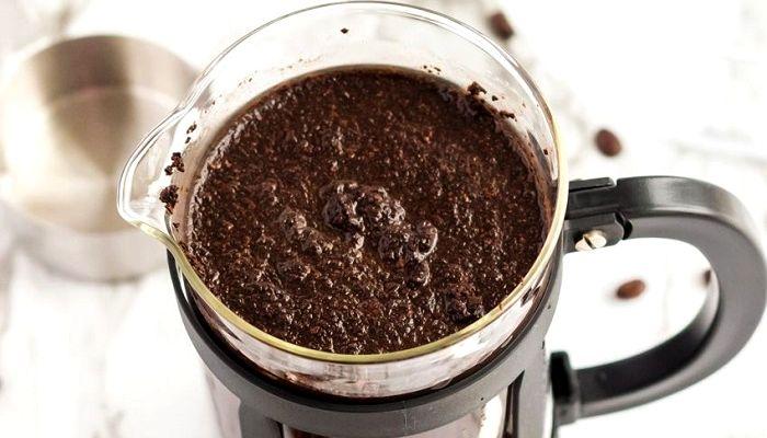 Заваривание в чашке кофе, фото