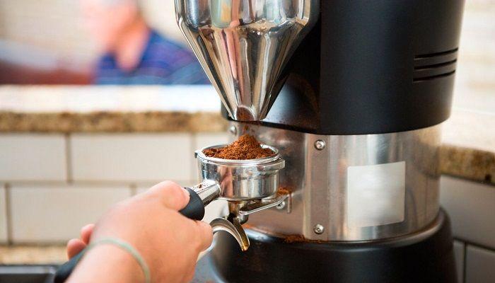 Кофемолка и рожок, фото