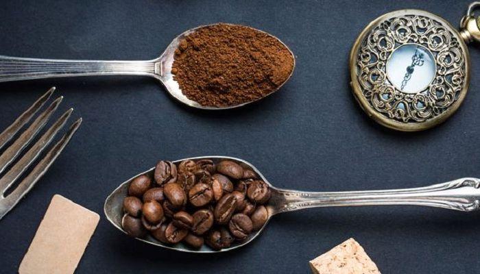 Кофейные зерна в ложке, фото