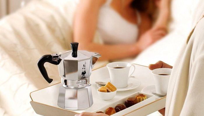 Кофеварка гейзерного типа, фото