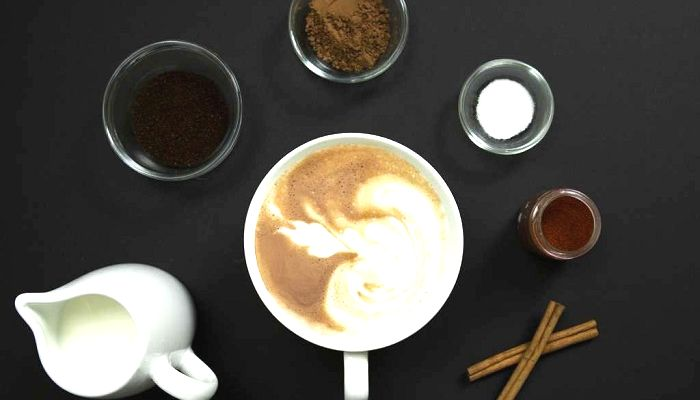 Кофе с молоком и сахаром, фото